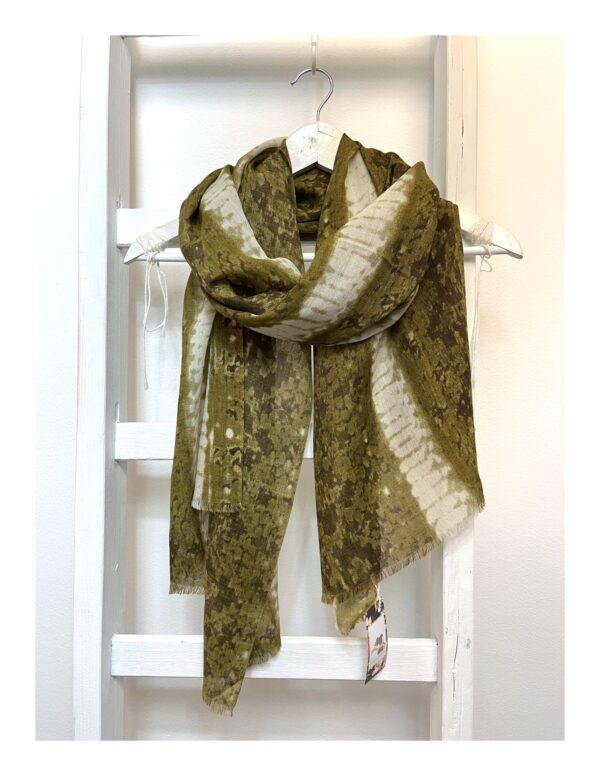 van Gogh art shawl, iris bloem