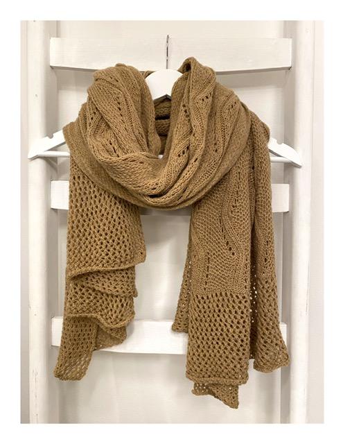 Ajour gebreide Lovely Scarfs shawl, camel