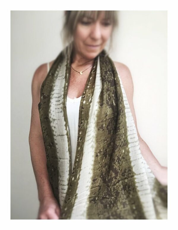 Lovely Scarfs shawl, wol natural