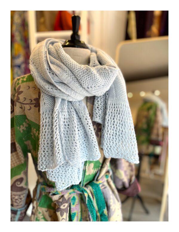 art shawl, Monet blauwe regen