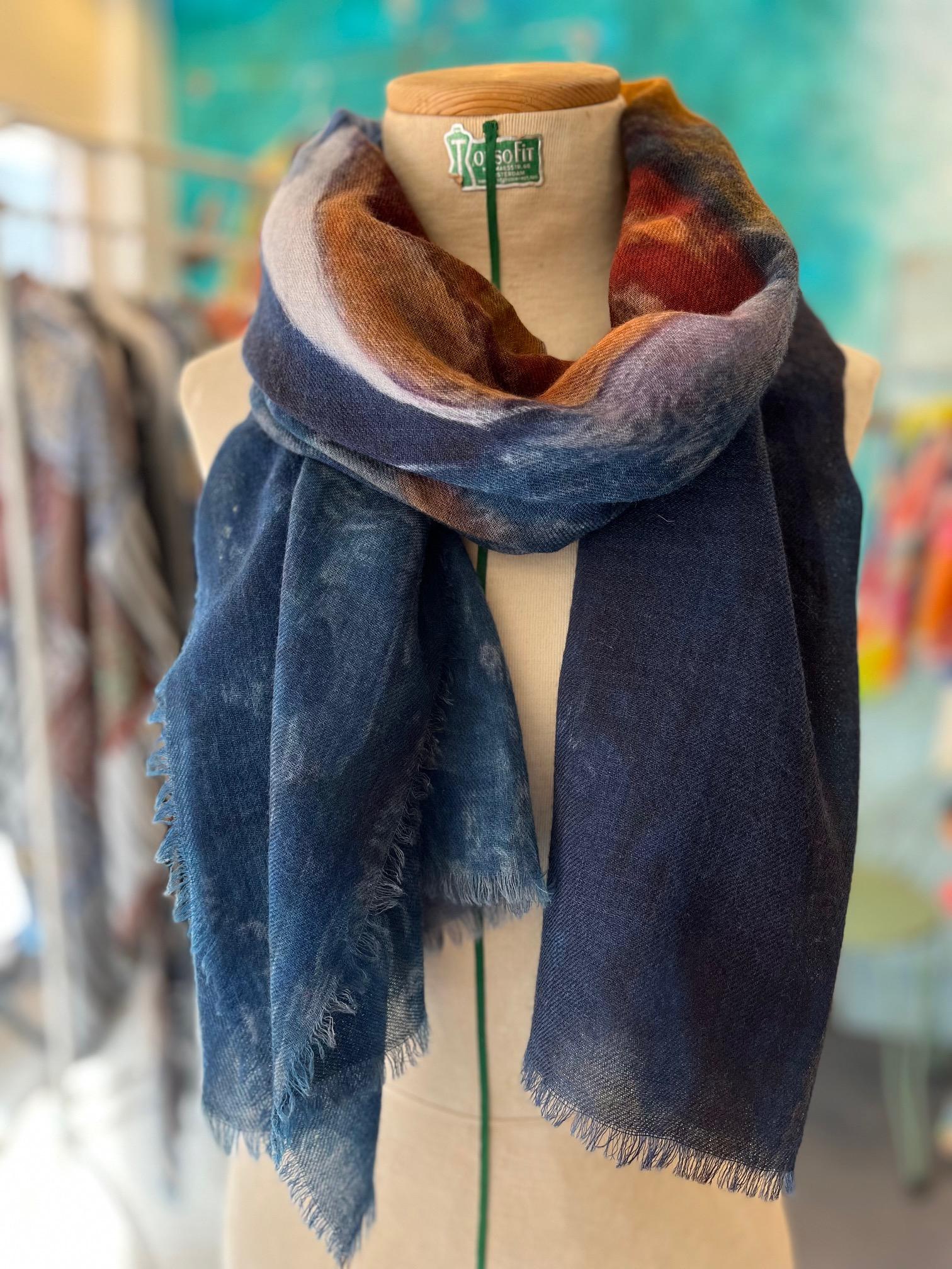 Otracosa art shawl, van Gogh