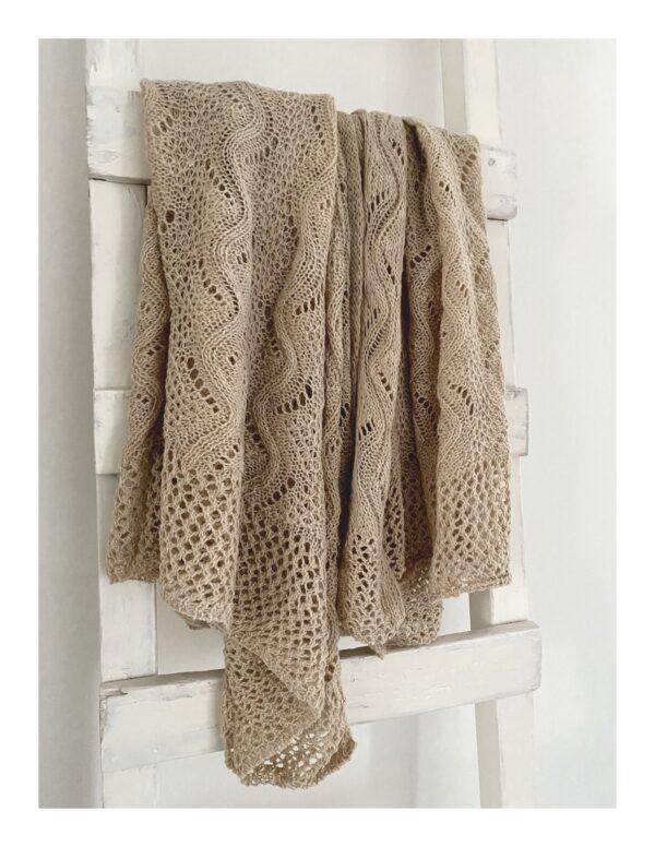 Ajour gebreide shawl, beige