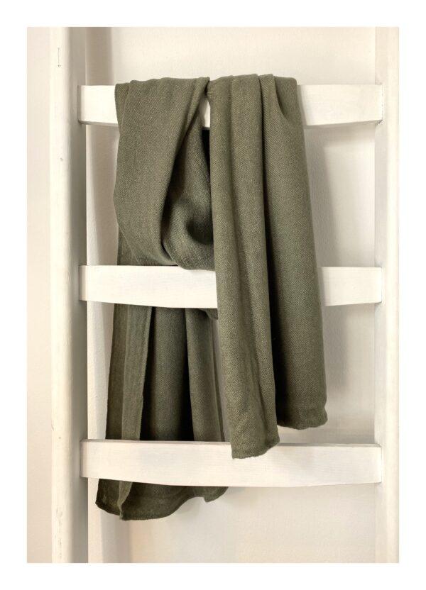 Basic Lovely Scarfs shawl, army green