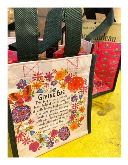 Tasje recycled, the giving bag met quote