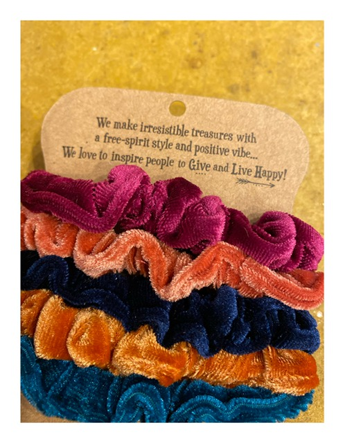 Natural Life scrunchies, multicolor