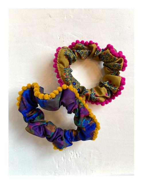 PomPon scrunchies set, happy colors