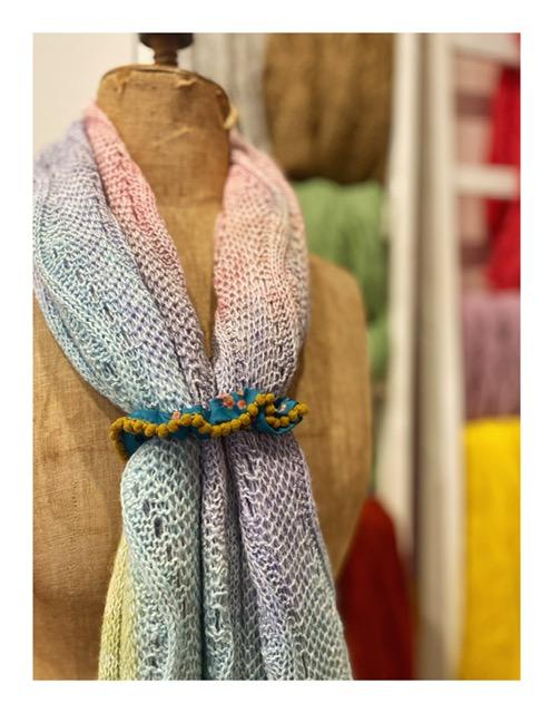 PomPon scrunchies set
